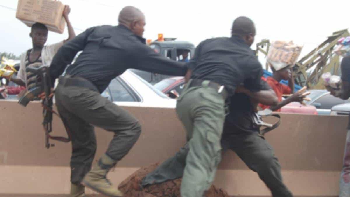 Photo of Police arrest Badoo 's High priest, destroy shrine (photos)