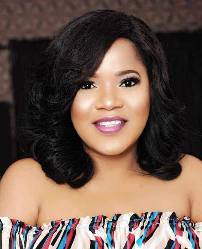 Photo of Toyin Abraham issues warning to Lizzy Anjorin, tells her to apologize within 24hrs