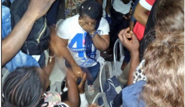 """Photo of Man Proposes To His Girlfriend At The """"Experience"""" Held Yesterday In Lagos (Photo)"""