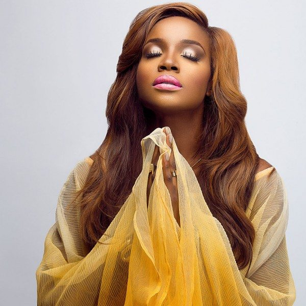 Photo of Seyi Shay flaunts cooking skills for Chef Chioma challenge
