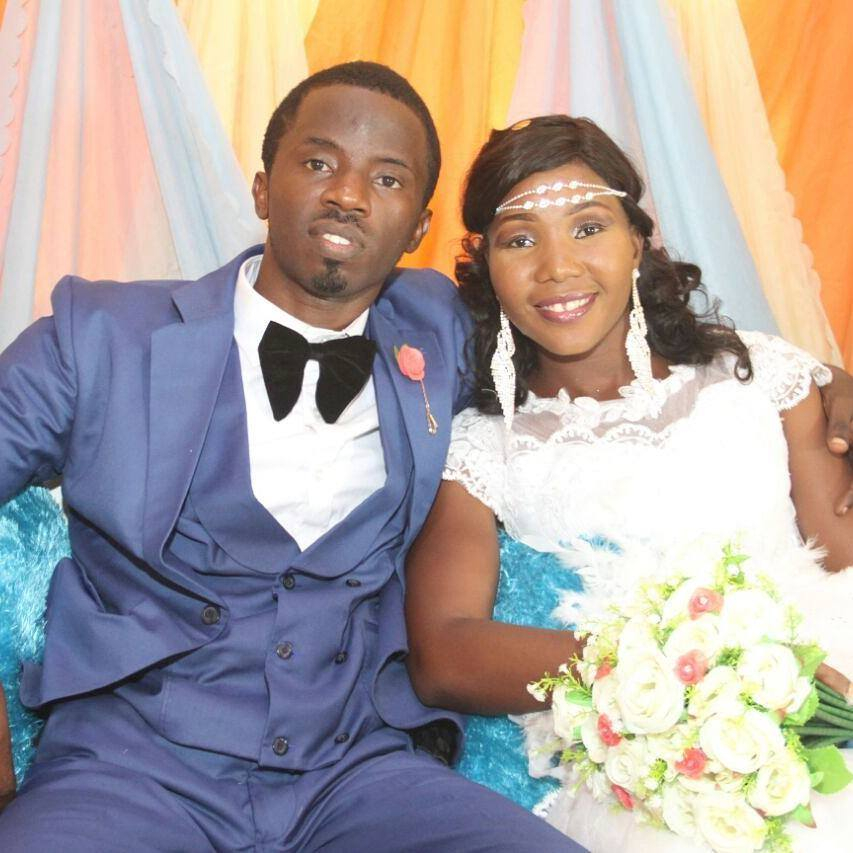 Photo of Nigerian Man reveals how LUTH caused the death of his wife of one year (photos)
