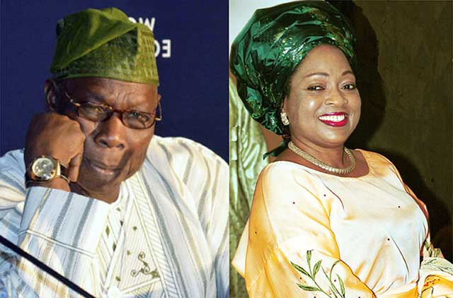 Photo of Obasanjo visits late wife, Stella's family members in Edo State (photos)
