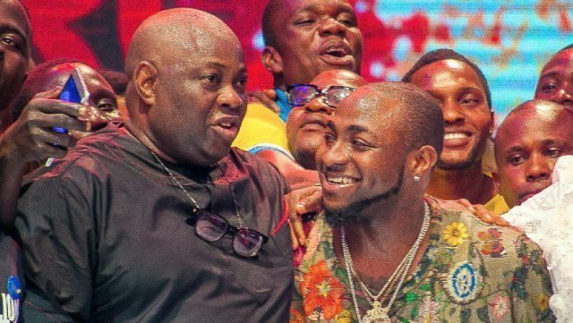 Photo of Dele Momodu compares Davido to Abacha