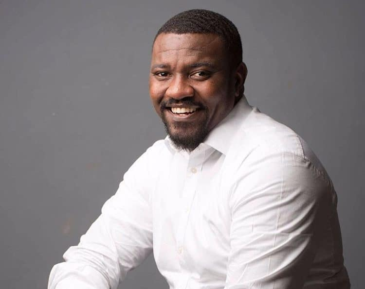 Photo of John Dumelo is confused about his engagement (details)