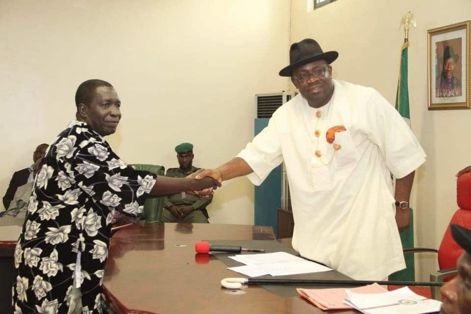 Photo of Bayelsa speaker hires Pastor to heal his constituency of crime