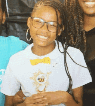 Photo of 12-year-old girl commits suicide after being bullied for being 'bookworm'