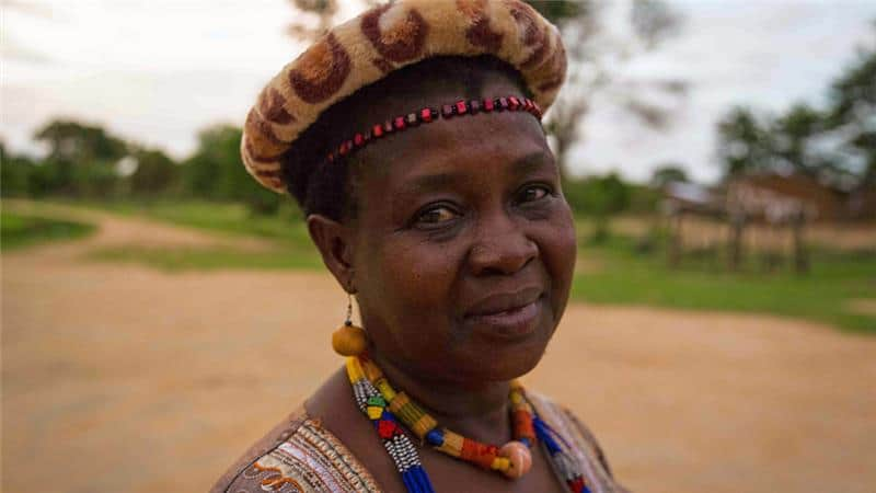 Photo of Meet Female chief, Kachindamoto who has broken up over 850 child marriages in Malawi