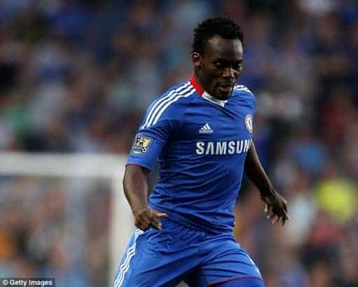 Photo of Michael Essien honored with a strange-looking statue in Ghana (photos)