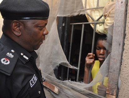Photo of 11-year-old girl rescued after being locked in an apartment for days (Photo)