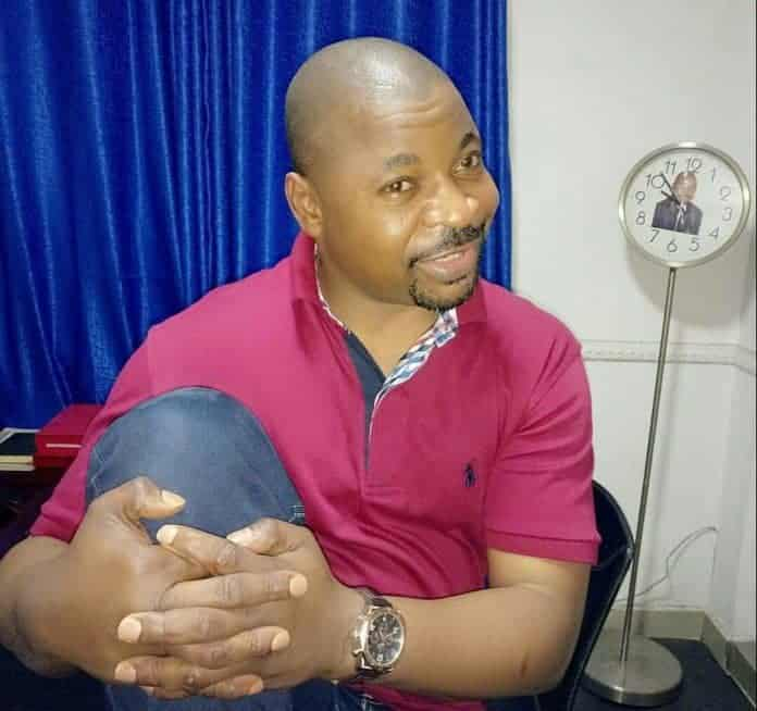 Photo of MC Oluomo stabbed in the Neck at APC rally in Lagos