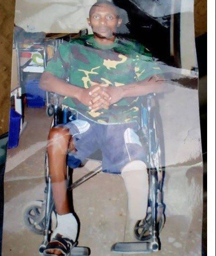 Photo of Nigerian soldier who lost one leg in Boko Haram battle calls out Army Authorities (Photos)