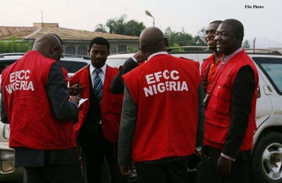 Photo of EFCC intercepts N211m gold at Lagos airport