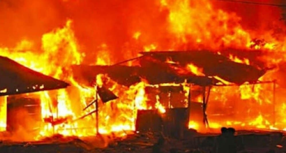 Photo of Angry Edo landlord set own house ablaze over tenant's refusal to pay rent