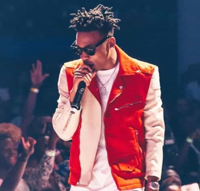 Photo of Mayorkun narrowly escapes death after being robbed blind in Enugu