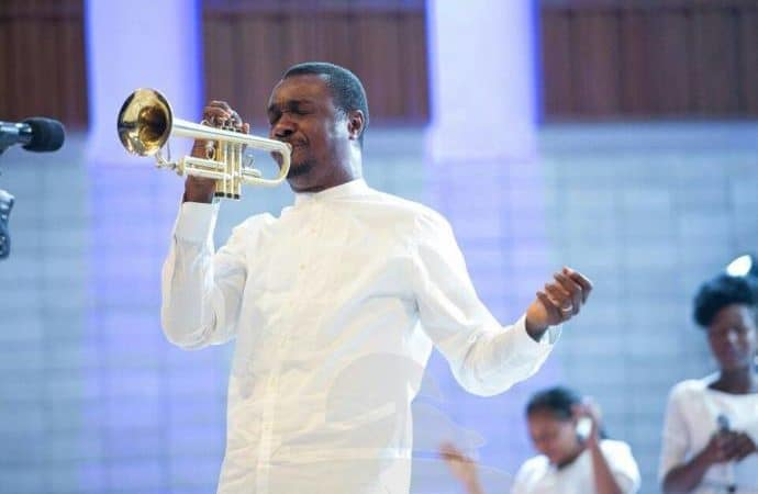 Photo of Funke Akindele's twins: Nathaniel Bassey sends message to Pastor who prophesied doom