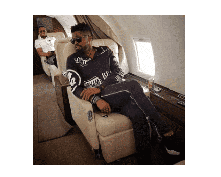 Photo of The grass is always greener on social media – Basketmouth shades celebrities as he poses in a private jet