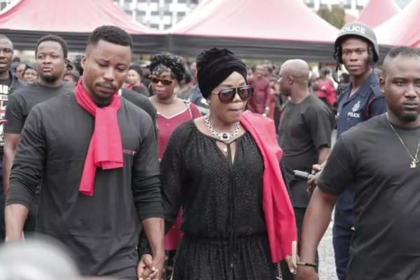 Ebony Reigns  burial