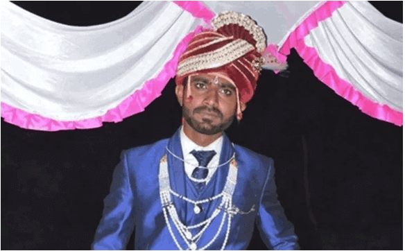 Photo of Father refuses to marry off his daughter until groom is clean-shaven