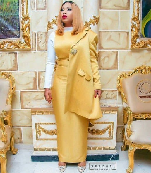 Photo of 'Stop swallowing people's luck',Toyin Lawani gets dragged by baby daddy