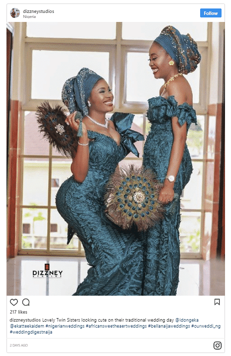 Photo of Pretty twin sisters get married on the same day in Calabar