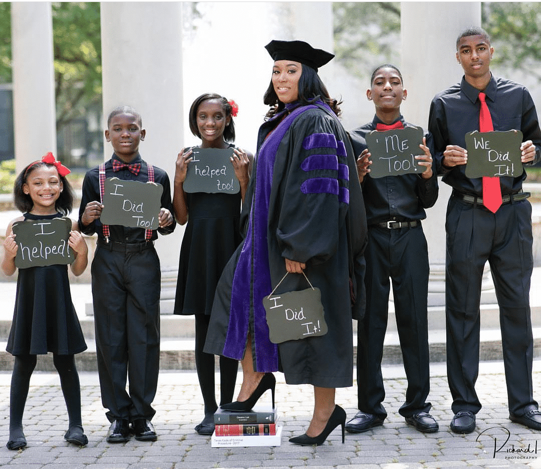 Photo of Be Inspired! Single mom of five graduates from Law school (photos)