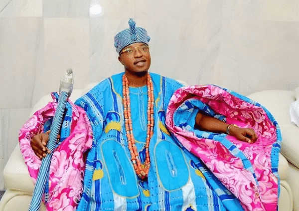 Photo of Oluwo of Iwo attends council of Oba's meeting at Ooni's palace for the first time