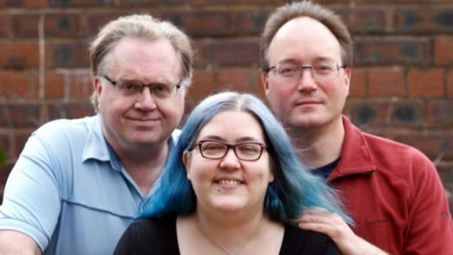 Polyamory: Woman with four partners explains how relationship...</figure></noscript></div> <div class=