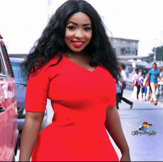 Photo of Anita Joseph in tears as she wins her first car