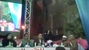 Photo of Giant television screen collapses on top of Egyptian politicians