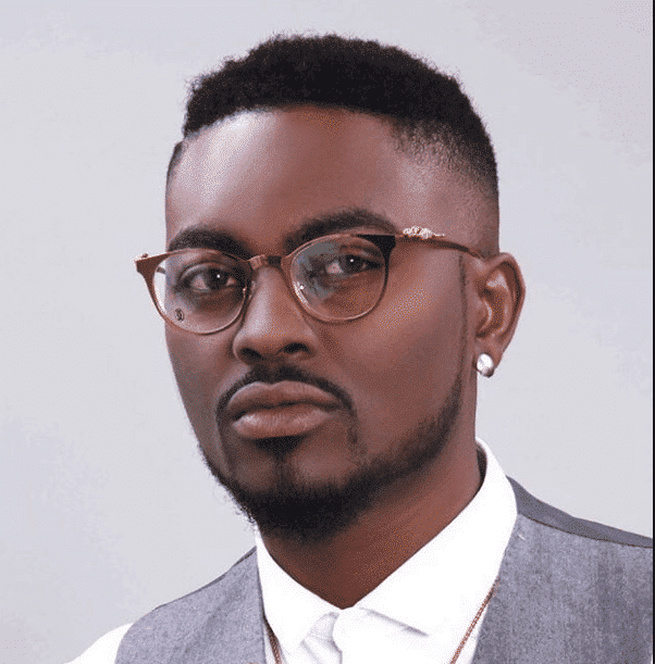 Photo of Former BBA housemate, Tayo Faniran fights dirty