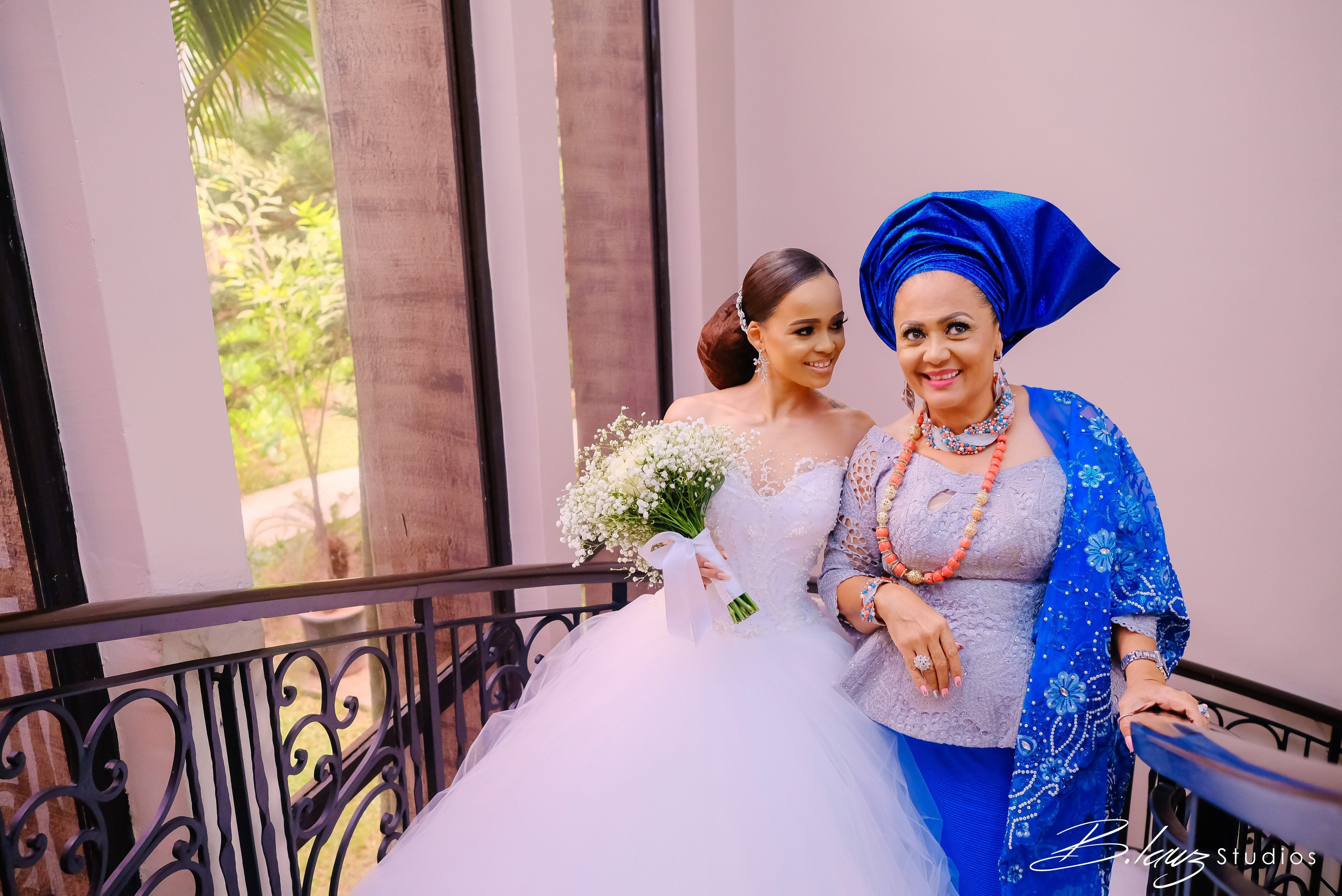 Photo of The adorable moment Stephanie Eze's mum walked her down the aisle (photos)