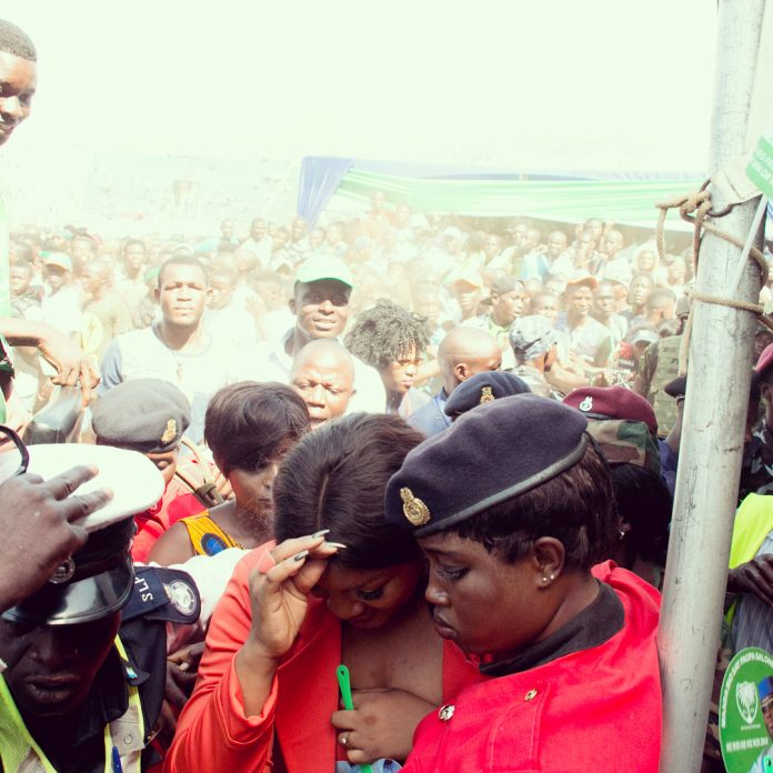Photo of How Omotola Jalade-Ekeinde was mobbed in Sierra Leone (photos)