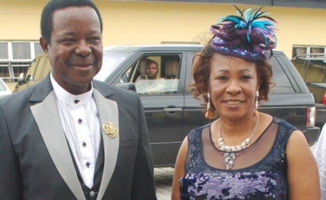 Photo of King Sunny Ade's Wife dragged to court over unpaid debt (details)