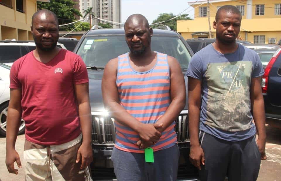 Photo of EFCC arrests three Yahoo boys, cars and laptops recovered from them