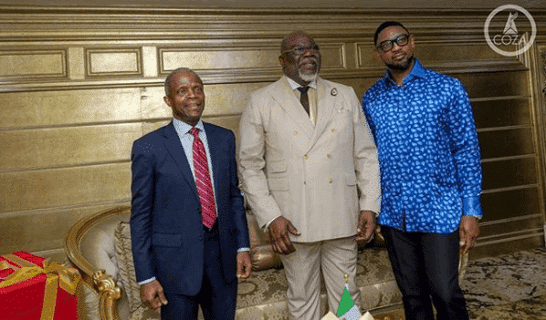 Photos of Bishop T.D Jakes and VP Yemi Osinbajo at COZA Upsurge program