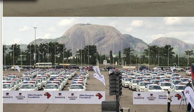 Photo of Dangote gifts police 150 cars (Pictures)