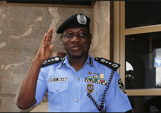 Photo of Police IG Idris Unable To Read His Speech In Kano (Embarrassing Video)