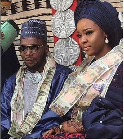 710087ca989d1 Viral Photo Of Nigerian Couple Who Used Real Money As Necklace On ...