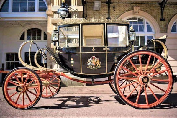 Photo of Checkout the stunning vehicle Prince Harry and Meghan Markle chose for Royal Wedding procession