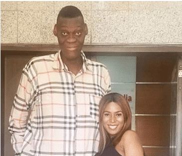 Photo of This new photo of Linda Ikeji and Nigeria's tallest man will make you smile