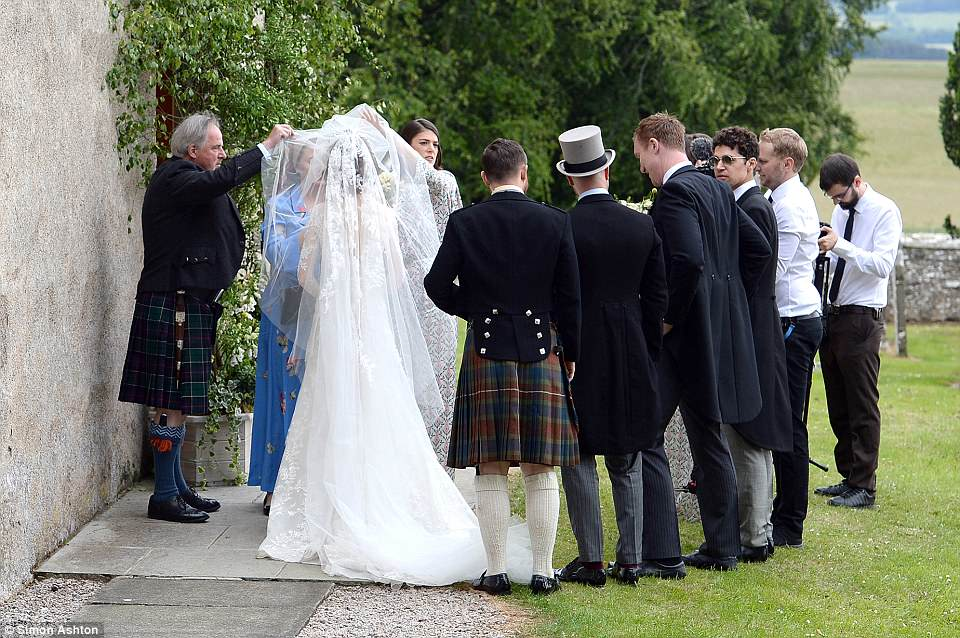 Kit Harrington and Rose Leslie wed