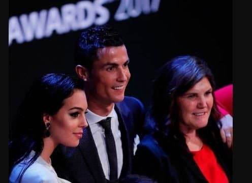 Photo of Ronaldo's mother hints at marriage, calls his girlfriend her future daughter-in-law