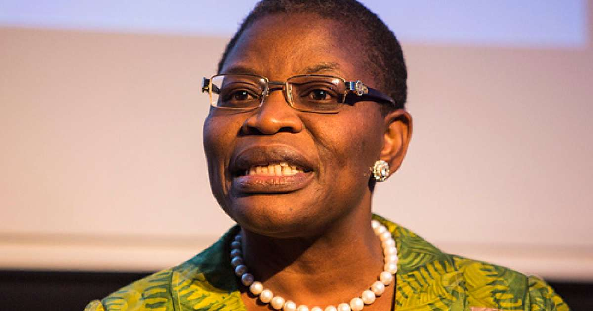 Photo of Security agents harass Oby Ezekwesili as she protests alone over Plateau killings