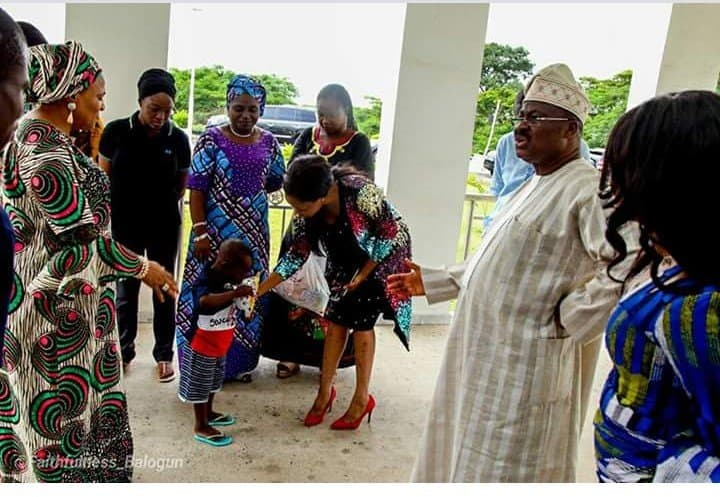 Photo of The moment Taju met with Oyo state governor and his wife (Photos)