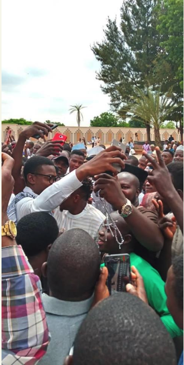 Ahmed Musa mobbed by fans
