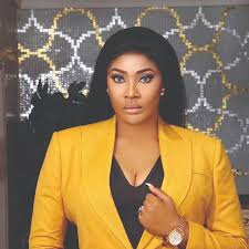 "Photo of Angela Okorie doesn't believe a woman can play ""father role"" for a child"