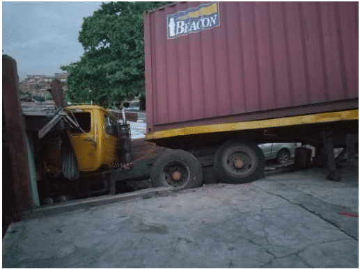 Photo of Brake Failure : Another Truck crashes into a shop at Ojodu, Lagos State (Photo)