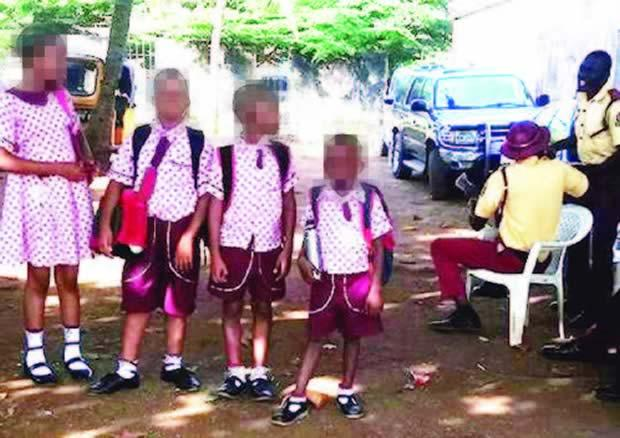 Photo of LASTMA officials 'detain' schoolchildren over driver's traffic offence
