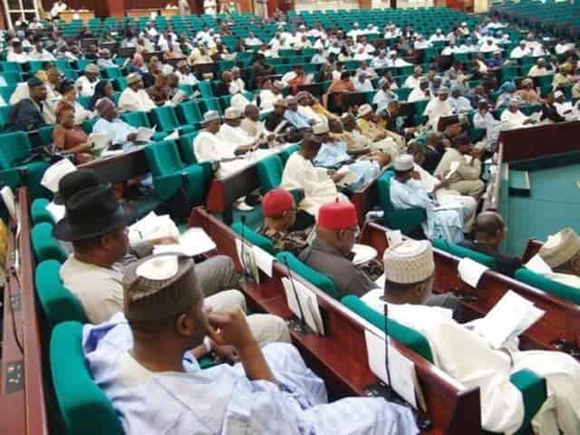 Photo of June 12: House of Reps in rowdy session over Buhari's new Democracy Day