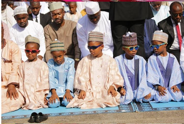 Photo of Lovely photos of President Buhari and his family as they celebrate EidMubarak